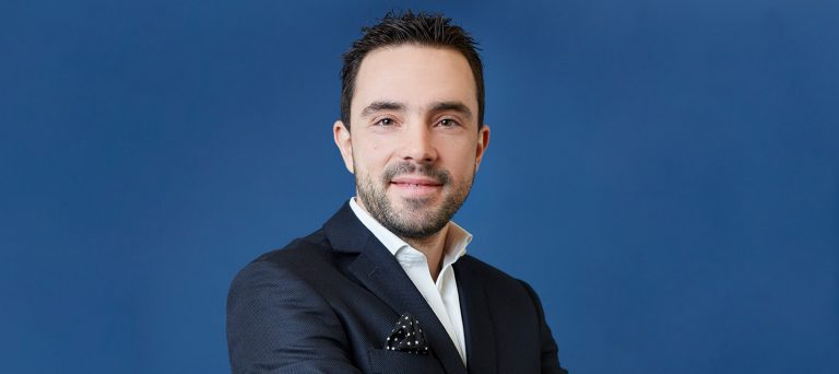 Trainer Niko Voutselas H.O.W to Master Online Retailing? free webinar Featured Image